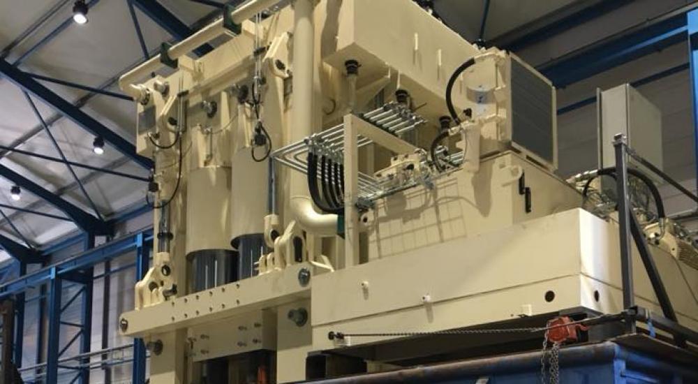 Montage d'essai de la presse hydraulique 9000 Tonnes