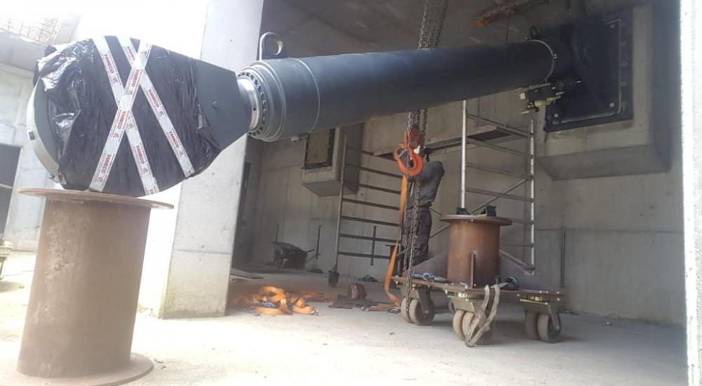Vameco Diksmuide - Succesvolle plaatsing hydraulische cilinders Kruineikebrug te Haacht