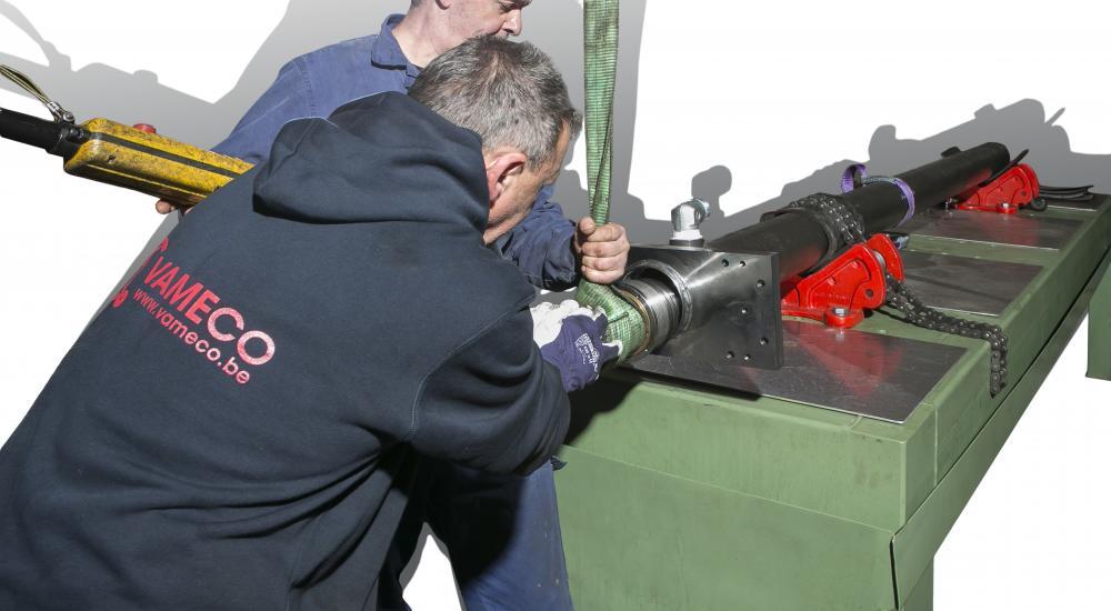 Vameco Diksmuide - Spécialiste du travail sur mesure de vérins hydrauliques