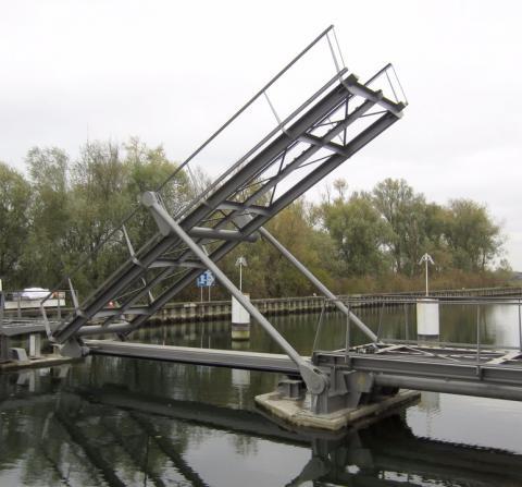Fietsbrug Zennegat hydraulische toepassing Vameco Diksmuide